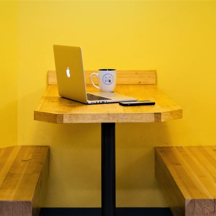 Zhng your office desk with these 5 items